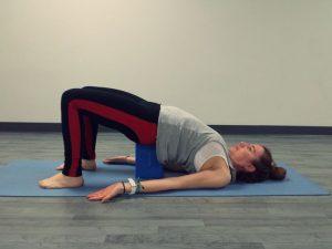 serie de yoga torsiones de primavera  callateyhazyoga