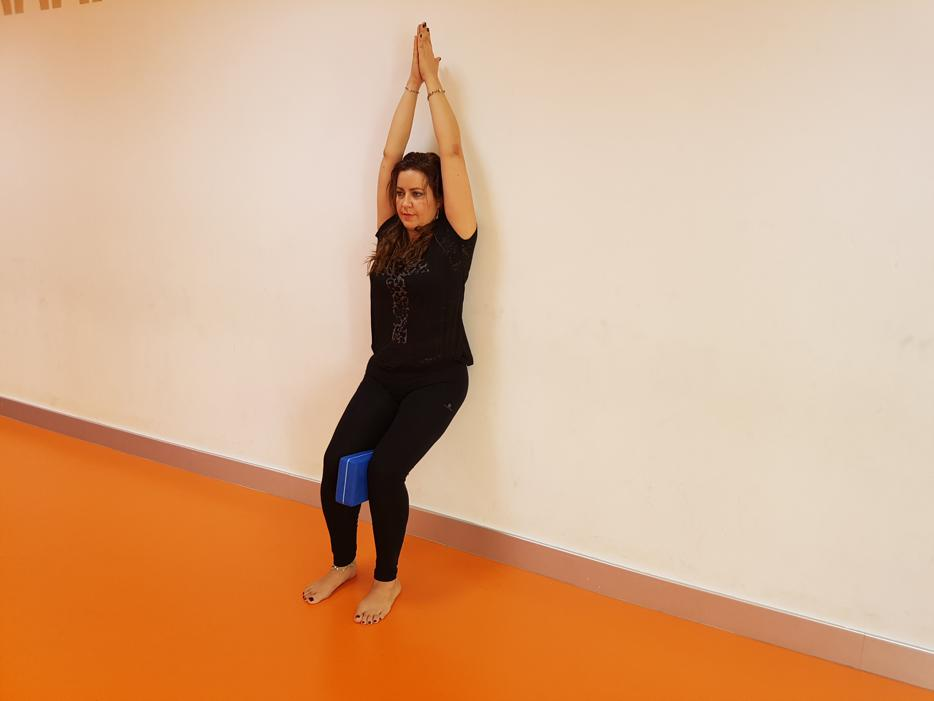 utkatasana-pared