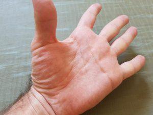 la mano en yoga 1