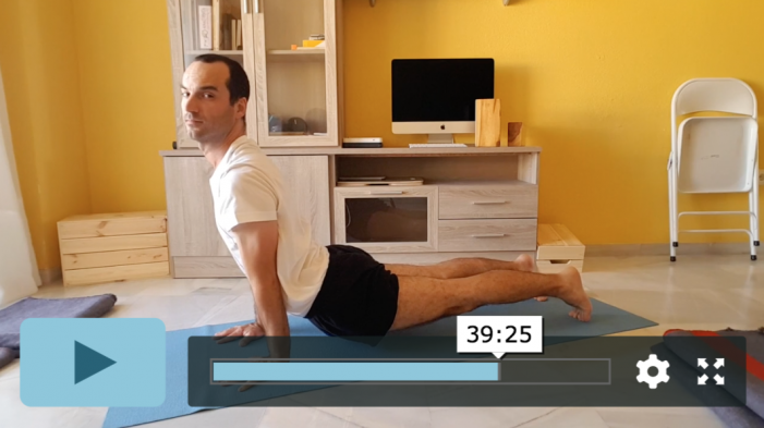 clase de Yoga de movimiento y respiración