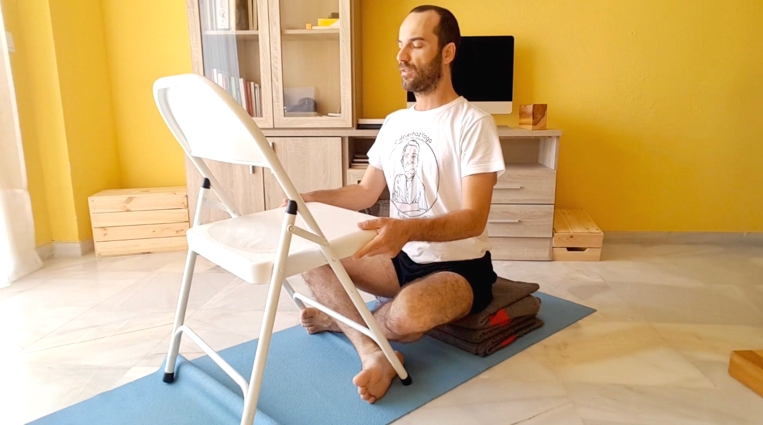 movilidad de omóplatos en Yoga