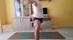 desbloqueo de cadera con cinturón de Yoga